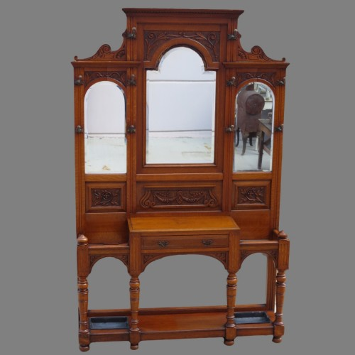 AntiqueCarvedFurniturepictures.jpg