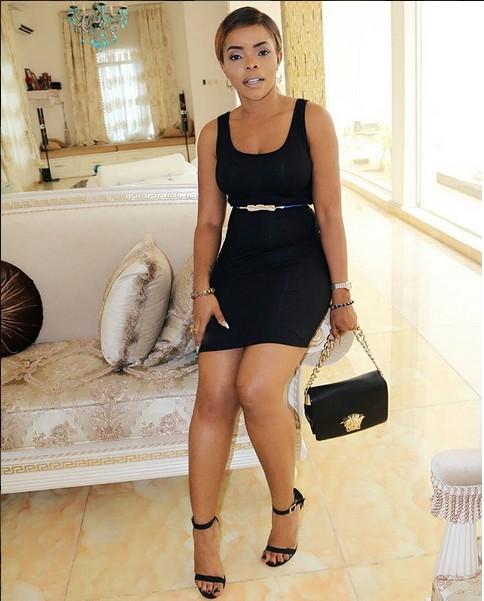 StunningDinnerGownFromNigerianFemaleCelebritiesstyle15.jpg