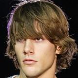 besthairstylesforlongfacedguys-hairyforeheadshag